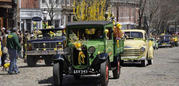"""<a href=""""https://www.flickr.com/photos/masstravel/9492940823/"""" target=""""_blank"""" class=""""ext"""">Daffodil Festival 2013 - Nantucket</a>"""" by William DeSousa-Mauk via <a href=""""https://www.flickr.com/photos/masstravel/"""" target=""""_blank"""" class=""""ext"""">Massachusetts Office of Travel &amp; Tourism</a> / <a href=""""https://creativecommons.org/licenses/by-nd/2.0/"""" target=""""_blank"""" class=""""ext"""">CC BY-ND 2.0</a>"""