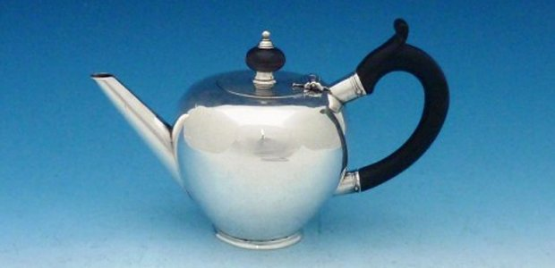 Earliest known Cork silver teapot, by Thomas Lilly, 1723