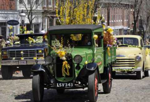 "<a href=""https://www.flickr.com/photos/masstravel/9492940823/"" target=""_blank"" class=""ext"">Daffodil Festival 2013 - Nantucket</a>"" by William DeSousa-Mauk via <a href=""https://www.flickr.com/photos/masstravel/"" target=""_blank"" class=""ext"">Massachusetts Office of Travel & Tourism</a> / <a href=""https://creativecommons.org/licenses/by-nd/2.0/"" target=""_blank"" class=""ext"">CC BY-ND 2.0</a>"
